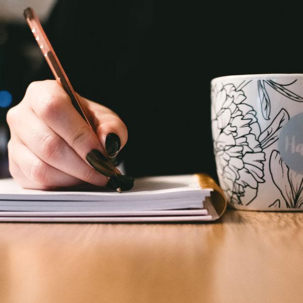 book_write.jpg